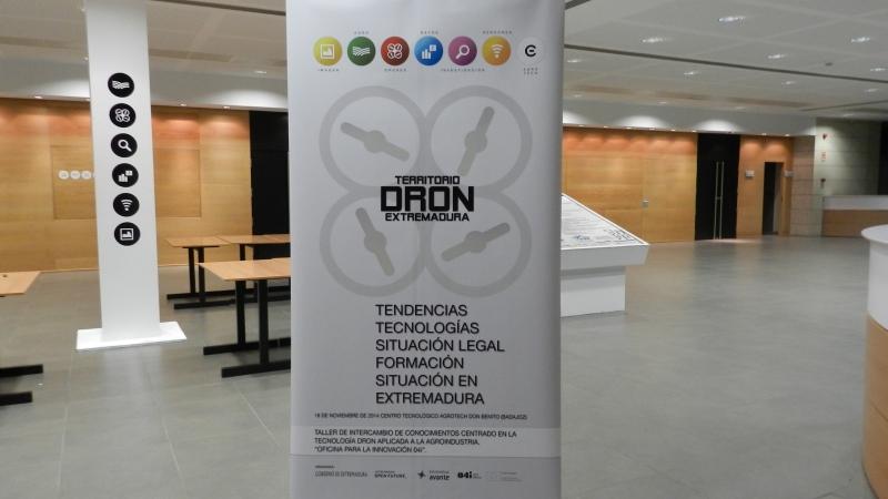 """Resumen en imágenes de """"Territorio dron"""" en Feval, DonBenito"""