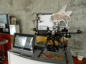 Foro Emprende 2014 Extremadura Badajoz Air Drone View Gadget Invasion empresas emprendedoras www.airdroneview.com www.gadgetinvasion.com regalos originales drones caceres merida empresa stand punto de activacion empresarial (15)
