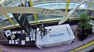 De aeromodelo a drone un vuelo fascinante air drone view www.airdroneview.com barajas adolfo suarez t2 terminal 2 exposicion drones rpas dron aena madrid aeropuerto gobierno de extremadura gobex 1