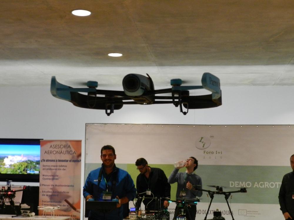 foro i+i 2015 extremadura avante gobex air drone view www.airdroneview.com networking internacionalizacion drones rpas badajoz españa caceres stand (9)