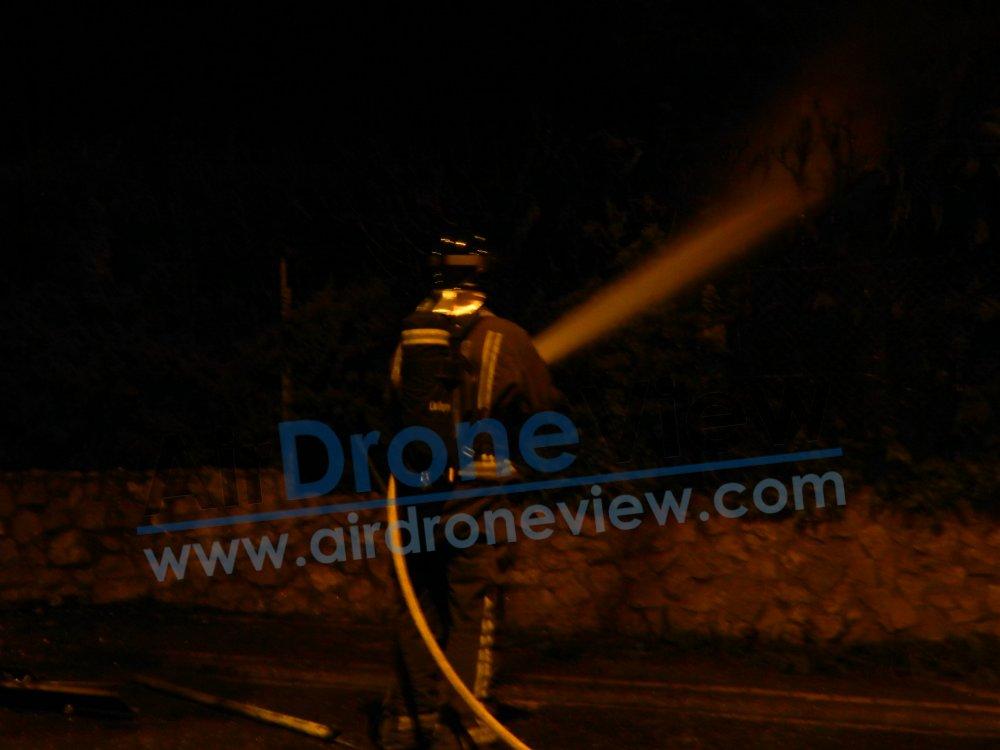 incendio fuego contenedor vaguadas badajoz bomberos policia chalet arde ardiendo provocado incendiado noticia air drone view www.airdroneview.com (6)a