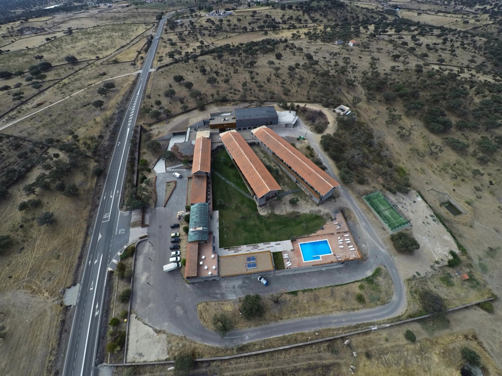 monfragüe air drone view www.airdroneview.com buitre hospederia operador reportaje foto video aereo parque natural (48)a