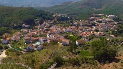 Caminomorisco air drone view www.airdroneview.com hurdes caceres paisaje pueblo drones video foto empresa badajoz extremadura españa