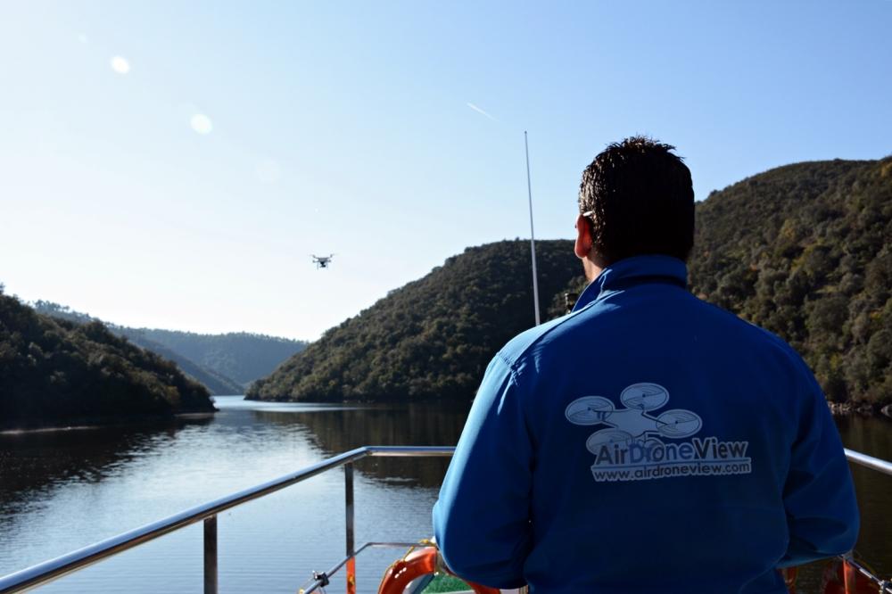 air drone view www.airdroneview.com empresa operador drones rpas uav españa portugal tajo internacional caceres cedillo barco rio agua aesa empresa badajoz extremadura 1a