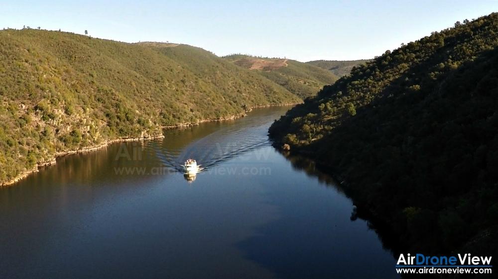 air drone view www.airdroneview.com empresa operador drones rpas uav españa portugal tajo internacional caceres cedillo barco rio agua aesa empresa badajoz extremadura (23)a