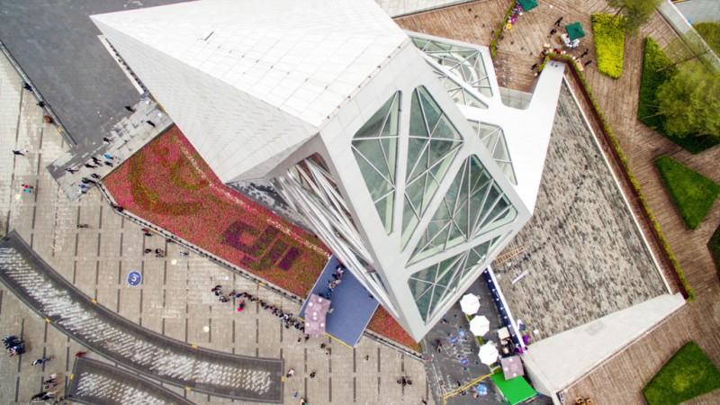DJI inaugura su primera tienda enShenzen