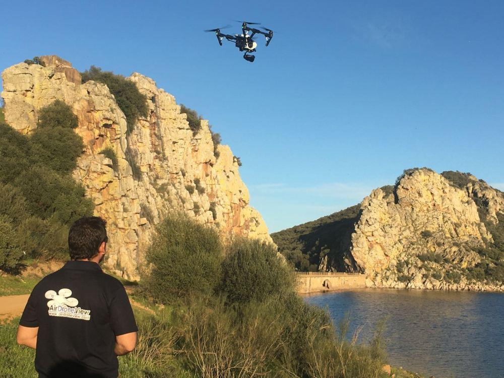 air drone view drones badajoz caceres reportaje aereo rpa rpas dron vuelo badajoz garcia sola documental television canal extremadura pelicula naturaleza medio ambiente (4)