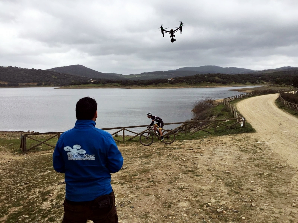 skoda titan xtrem tour tentudia drones reportaje video foto aereo tierra documental deporte btt extremadura españa carrera badajoz air drone view filmacion profesional fjyd (8)