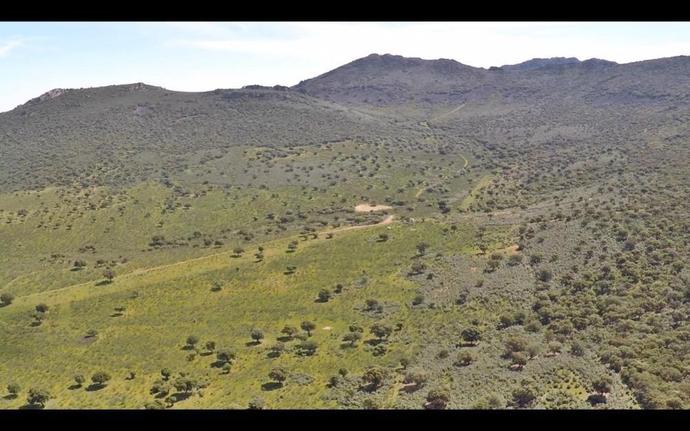 air drone view grabacion aerea badajoz aereo extremadura cabeza del buey aesa (4)