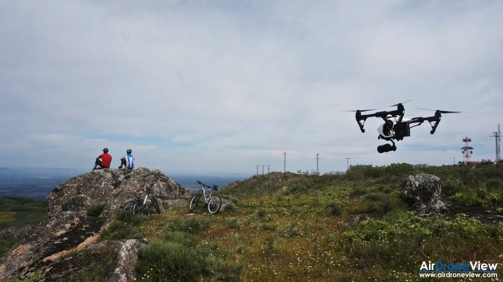 air drone view montanchez video foto aereo turismo promocional sierra castillo ciudad pueblo trabajos aereos extremadura badajoz españa 4