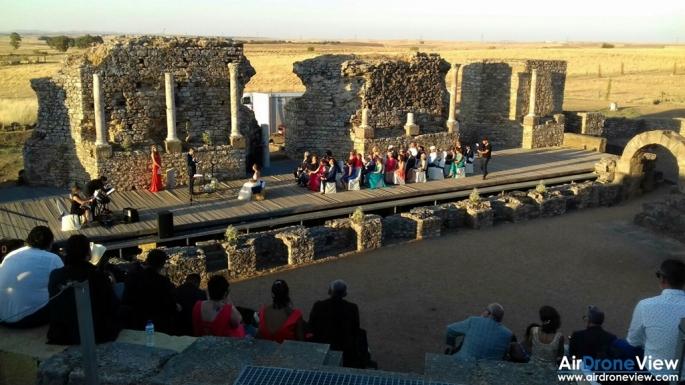 boda civil regina teatro romano reportaje foto video aereo tierra camara bodas air drone view www.airdroneview.com extremadura badajoz caceres recuerdo noticia 3