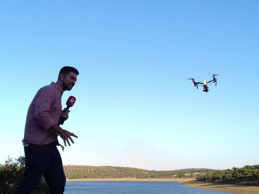entrevista-canal-extremadura-air-drone-view-www-airdroneview-com-drones-extremadura-badajoz-espana-caceres-merida-tv-exhibicion-dron-volando-inspire-1-dji-s800-1