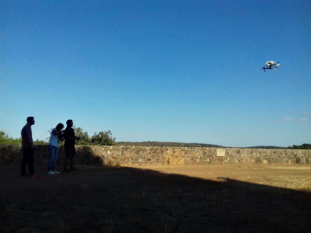 entrevista-canal-extremadura-air-drone-view-www-airdroneview-com-drones-extremadura-badajoz-espana-caceres-merida-tv-exhibicion-dron-volando-inspire-1-dji-s800-30