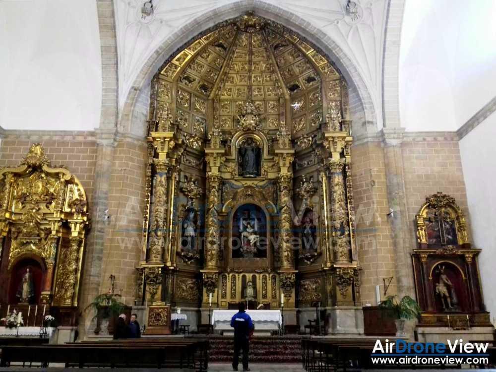 air-drone-view-www-airdroneview-com-patrimonio-drones-trabajo-aereo-interior-iglesia-restauracion-retablo-altar-trujillo-extremadura-espana-badajoz-caceres-empresa-2a